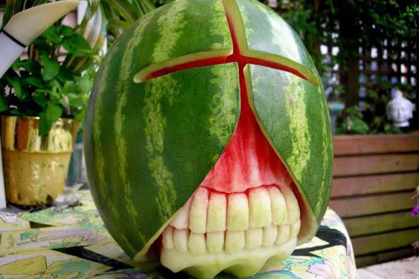 天热不能吃太多西瓜
