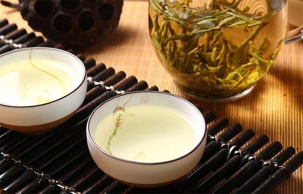 空腹喝绿茶不好