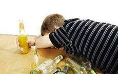 喝酒后胃难受怎么办?醉酒后吃什么食物最解酒