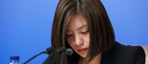 历届两会上的美女翻译:才貌双全