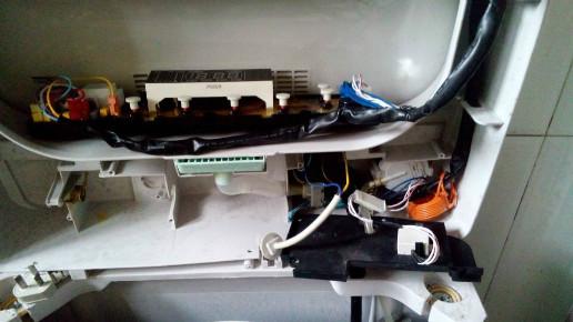 威力xqb60-6066洗衣机安全开关在哪?我的洗衣机不显?