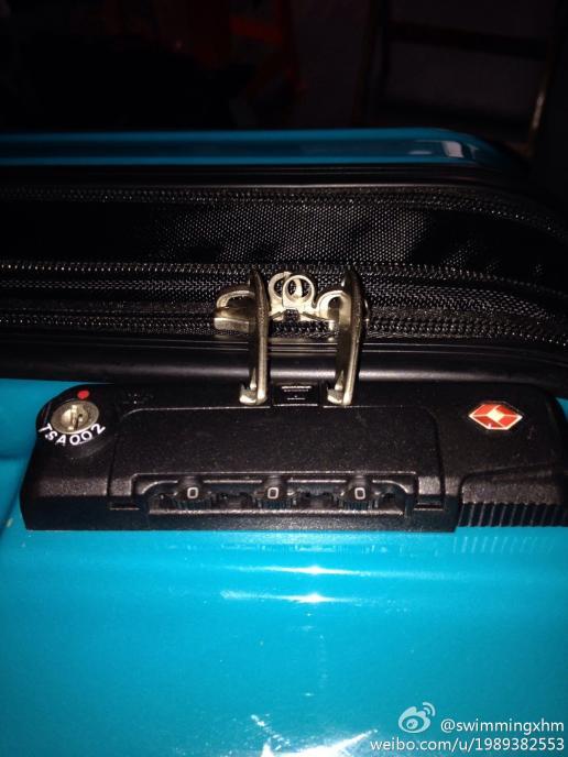 我的行李箱tsa002海关锁打不开了怎么办?初始密码是,?