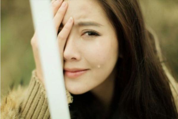 女人为何比男人爱流眼泪
