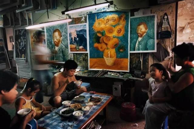 网友热评!20多年临摹9万多幅梵高画作,中国男子终去欧洲见真迹