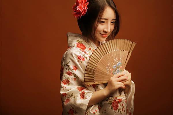 欧美女日本女中国女_中国男人为何喜欢日本女人?