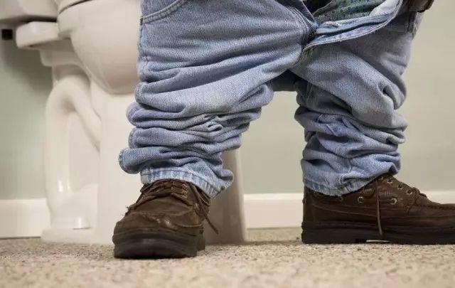 """为什么腿麻会产生一种类似""""雪花点""""的感受?"""