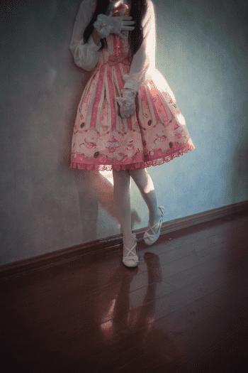 木花琳琳是勇者 - 桌下小裙子白丝play! [23P+2V/77M]