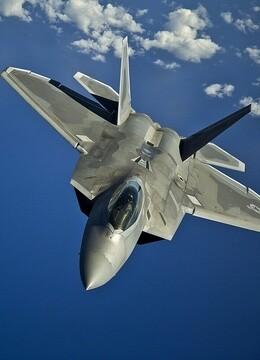 空中霸王F-22战斗机
